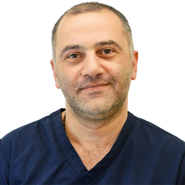 Dr. Nikolas Kasiteridis general and cosmetic dentist at Emergency Dentist London